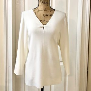 NWT Knot front sweater by JM Collection